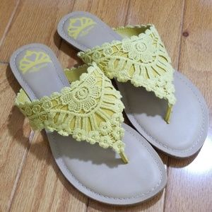 Fergalicious yellow sandals size 7M